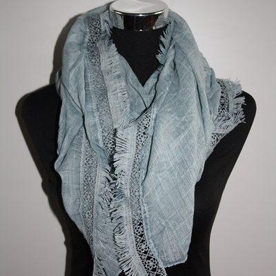 Blauwe sjaal met rand