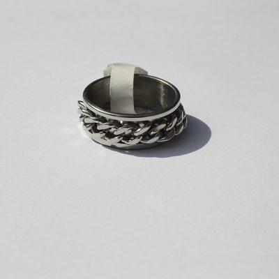 ring met ketting