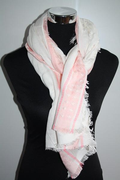 Roze witte sjaal