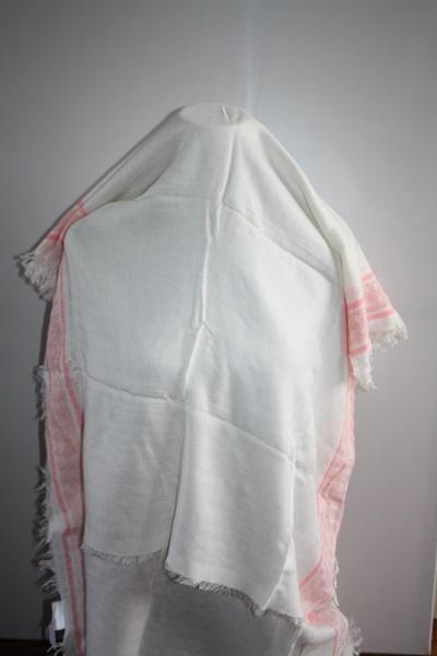 Roze witte sjaal 3