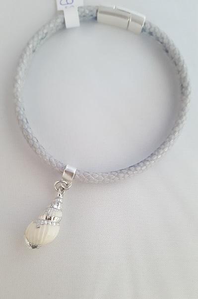 grijze armband met schelp