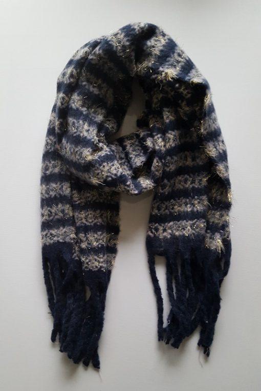 Blauwe sjaal met strepen